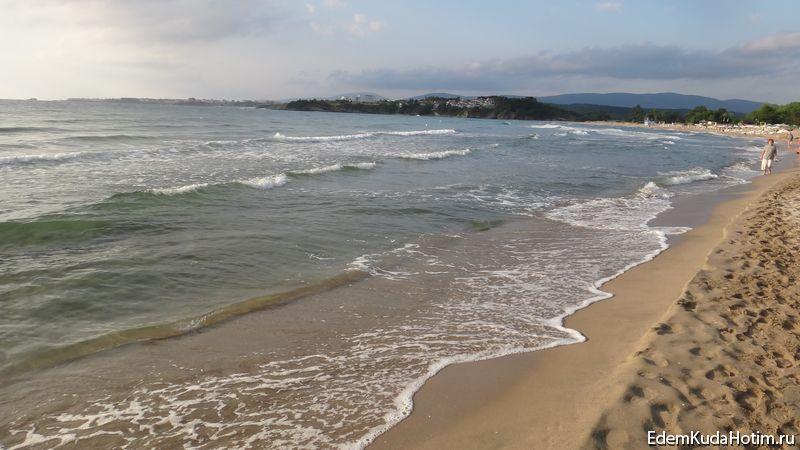 Песчаный пляж в Китене