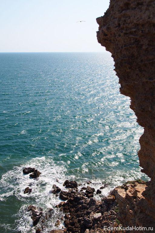 Над морем. Двухметровые волны с такой высоты кажутся шуткой.