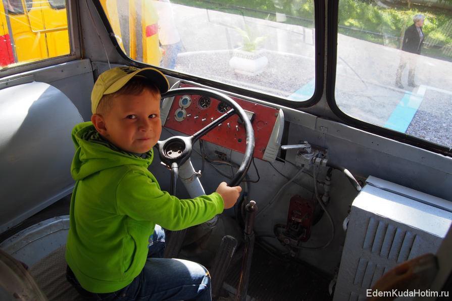 Максим за рулем МТБ-82