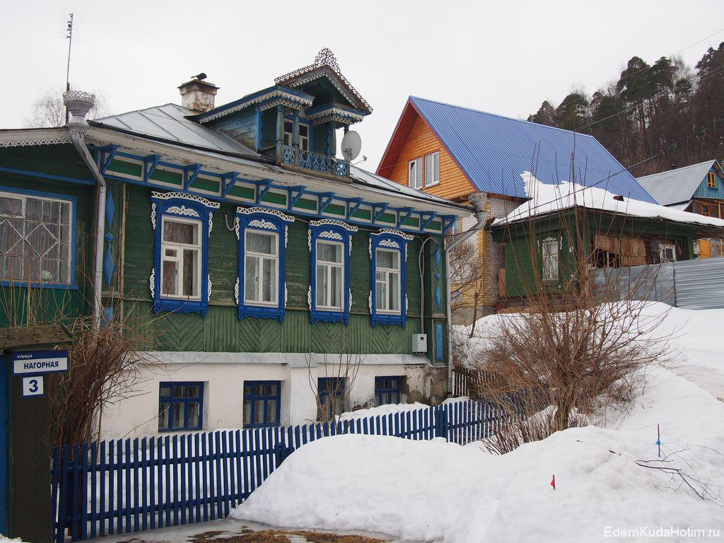 Старый ухоженный дом