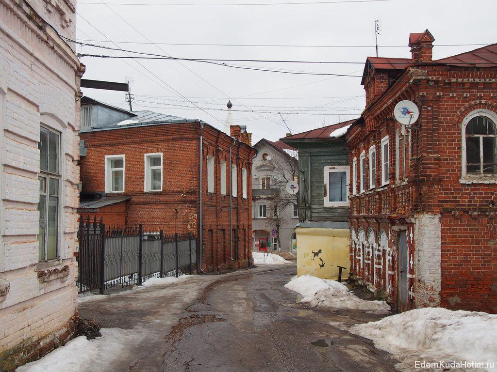 Старые дома на улице Нагорной