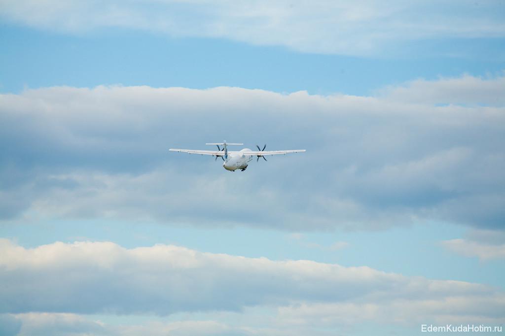 Взлет ATR-72-200, убирает шасси