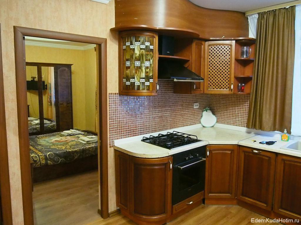 Холл, совмещенный с кухней